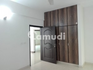 10 Marla  Brand New 3 Bed  Flat Available For Rent In Askari 11