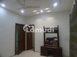 10 Marla House In Wapda City For Sale At Good Location