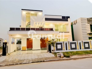 Brand New 1 Kanal Beautifully Designed And Solid Constructed House For Sale