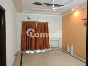 1 Kanal Luxurious Upper Portion Is Available For Rent In Phase 3 Block Z