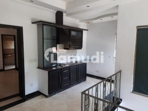 1 Kanal Luxurious Upper Portion Is Available For Rent In Phase 3 Block Y