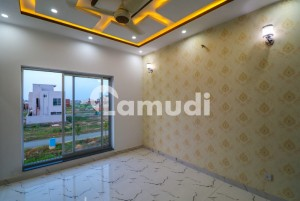 1 KANAL UPPER PORTION WITH SEPARATE GATE FOR RENT IN DHA PHASE 8