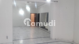 Bahria Town Phase 8 Sector B  10 Marla House For Rent