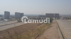 30 Marla Commercial Plot No 577 Boulevard And Corner Available For Sale In Bahria Business District