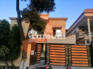 Nicely Build 1 Kanal House For Rent