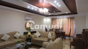 REHMAN SUITES Flat For Per Day 15000 Weekly And Monthly Basis Rental