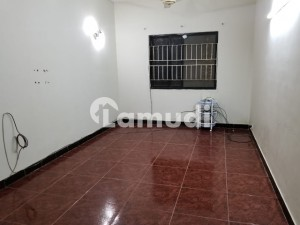 Clifton Flat Sized 1200  Square Feet For Rent