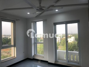 2 BED FAMILY FLAT WITH GAS AVAIALABLE