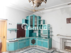 7 And Half  Marla Upper Portion For Rent Near Mughal Eye  Hospital And Bank Road
