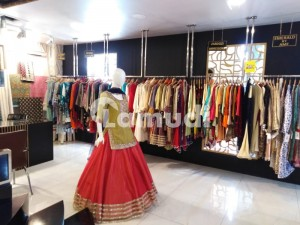 2500 Sq Ft Shop In Center Of Top Multinational Brands On Mm Alam Road