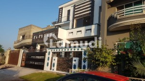 6 Bed Triple Storey House For Sale On 10 Marla
