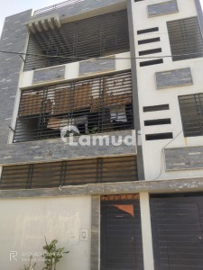 Flat Sized 1800  Square Feet Is Available For Sale In Shahra-E-Faisal