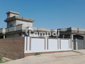 Alipur Uch Sharif Road House For Sale Sized 4500 Square Feet