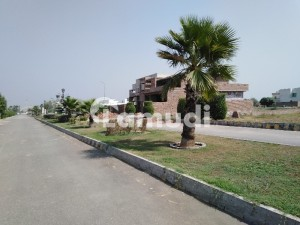 Roshaan Homes Residential Plot Sized 10 Marla Is Available