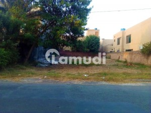 Kanal Plot Map Approved With Basement On 60 Feet Road For Sale