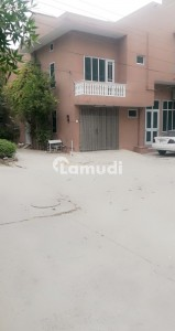 1125  Square Feet House In Chen One Road For Rent