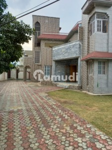 House For Rent Situated In Center Gojra