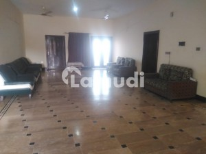 Kanal Upper Portion Available In Phase 6 For Rent