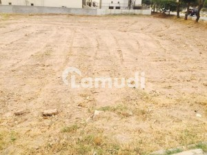 600 Yards Residential Plot Available For Sale