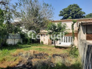 An Old Demolishable House 2100 Sqyrds Near Embassy Road G6 Is Available For Sale