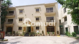 Rehman Suites Available For Rent Daily Weekly Monthly