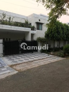 1 Kanal House Is Available For Sale Facing Park