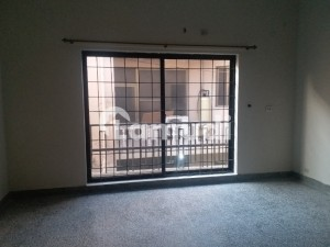 Chaklala Scheme 3 Flat Available For Rent Best Location