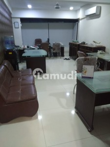 Office Sized 410  Square Feet Is Available For Rent In I.I. Chundrigar Road