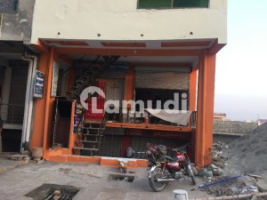 Building In Pakistan Town Sized 600 Square Feet Is Available