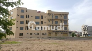 Dha Defence Flat For Rent Sized 950  Square Feet