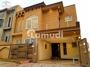 Designer 7 Marla 4 Bed Spacious House For Sale In Bahria Town