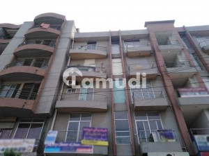 650  Square Feet Flat Situated In Johar Town For Sale