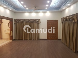 Cc133  350 Sq Yards Bungalow For Rent In Peaceful Vicinity Of Gulshan E Iqbal Block 18