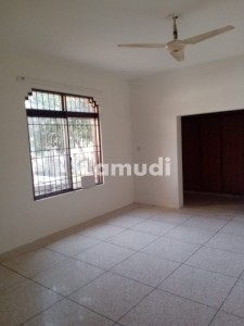 Two Kanal Used House Available For Rent In Nespak Phase 1 Lahore