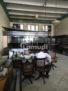 1550 Square Feet Office Situated In Upper Mall For Rent