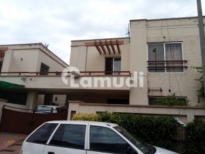 10 Marla Well Maintained House For Rent
