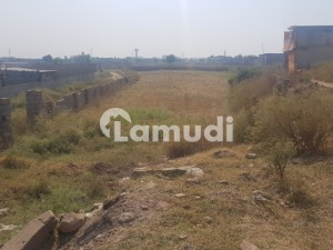 Kashmir Highway Commercial Plot Sized 27000  Square Feet Is Available