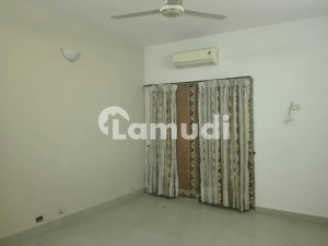 2 Marla Lower Portion Is Available For Rent In Gulberg