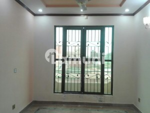 Upper Portion Sized 3 Marla Is Available For Rent In Gulberg