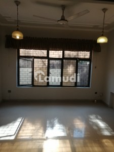 1125  Square Feet House In Margalla Town For Rent