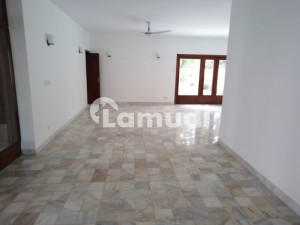 G6 2000 Sq Yd Beautiful House Having 5 Bedrooms With Attached Bathrooms Is Available For Rent