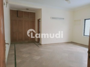 F-11 Beautiful 6 Bed House For Rent