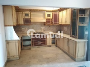 Full Floor 3 Bed Dd Apartment For Sale