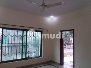 2250  Square Feet Upper Portion In Bahria Town Rawalpindi Is Available