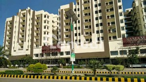 780 Square Feet Flat In Central Gulberg For Rent