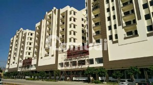 In Gulberg 480 Square Feet Flat For Rent