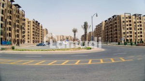Bahria Town Karachi Flat Sized 950 Square Feet Is Available