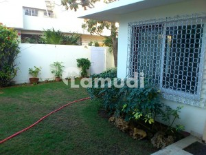 2700  Square Feet Lower Portion In Central Clifton For Rent
