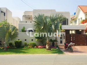 1 Kanal Bungalow In Phase 3 For Rent On Hot Loction