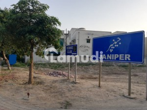 Near Park 10 Marla Janiper Block Direct Deal With Client Super Hot Location Available For Sale